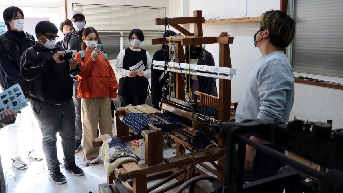 国の重要無形文化財「久留米絣」の工房見学